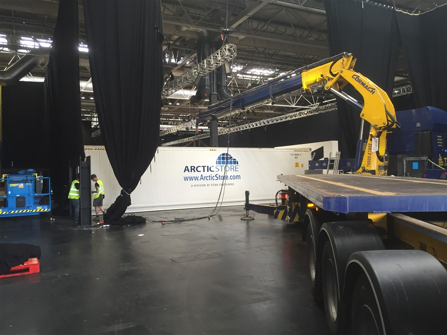 INSIDE hiab vehicles LIFT TITAN CONTAINERS