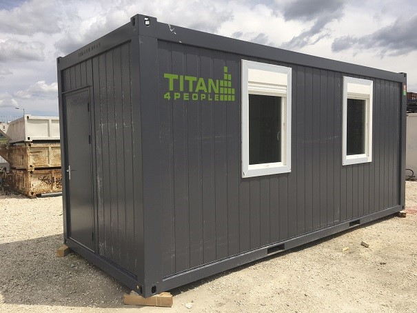 4 people TITAN Containers Office Renting